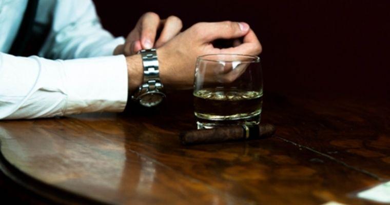 バーに来る男性の特徴とは?