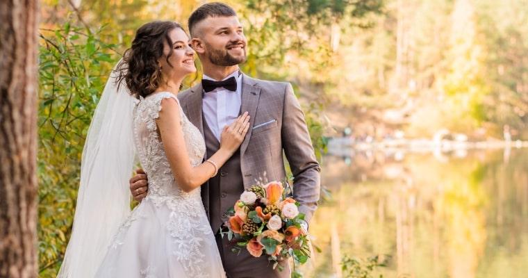 新婚夫婦の写真