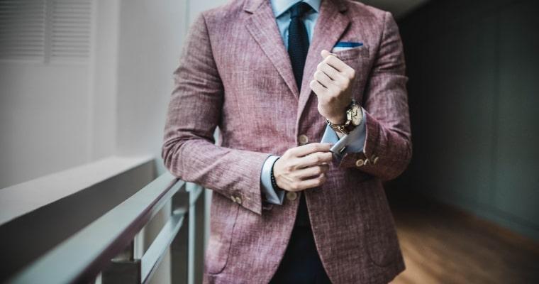 ビジネススーツの男性の写真
