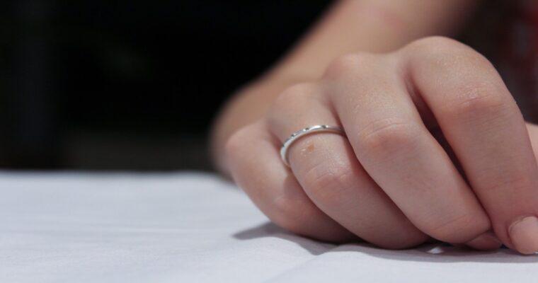 プロポーズしてこない男性の本音7選